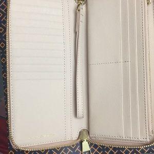 Tory Burch Bags - Beautiful New Tory Burch Wallet